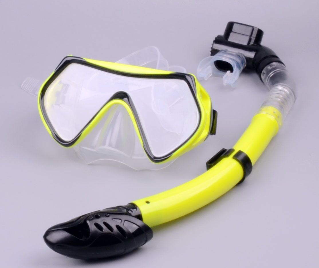professional diving mask