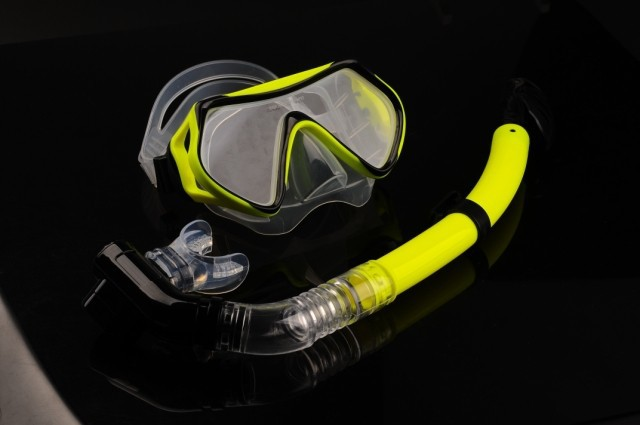 diving mask and snorkel set
